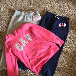 Gap size 6-7 (S) hoodie with matching sweats!